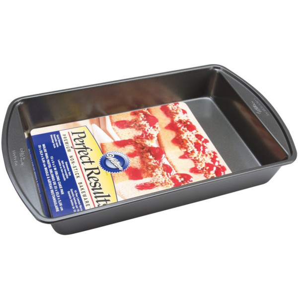 Image of Wilton Perfect Results Nonstick Oblong Cake Pan 1 ea
